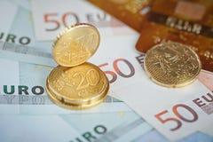 欧洲金钱:钞票和硬币特写镜头  图库摄影