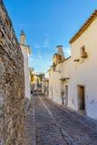 欧洲,葡萄牙, Monsaraz镇阿连特茹街道视图  免版税图库摄影