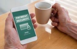 付款在智能手机的安全概念 免版税库存图片