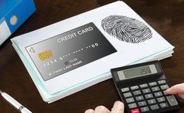 付款在纸说明的安全概念 免版税图库摄影