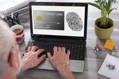付款在膝上型计算机屏幕上的安全概念 免版税库存图片