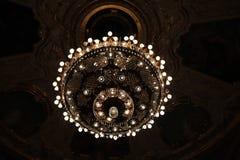 歌剧剧院的枝形吊灯 免版税库存照片