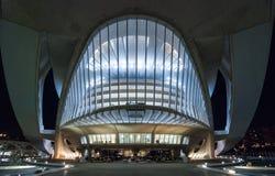 以歌剧院为特色的巴伦西亚都市风景在晚上,在艺术集中 免版税图库摄影