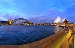 歌剧院和港口桥梁 图库摄影