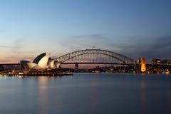 歌剧院和港口桥梁 免版税库存照片