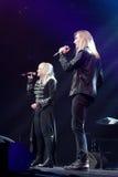 歌手伊琳娜Allegrova和伊冯在阶段执行在维克托Drobysh第50个年生日音乐会期间在巴克来中心 免版税库存照片