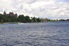 歌手城堡从一千个海岛群岛的海岛视图从安大略省在加拿大 免版税库存图片
