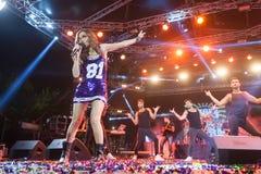 歌手德斯皮娜执行在疯狂的北部阶段节日的Vandi 图库摄影