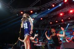 歌手德斯皮娜执行在疯狂的北部阶段节日的Vandi 免版税库存照片
