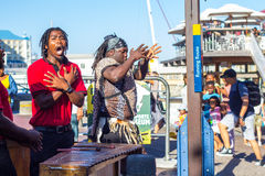 歌手是维多利亚和阿尔伯特江边 免版税库存照片