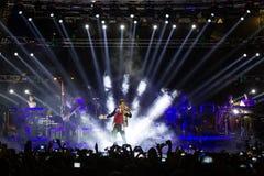 歌手Sakis执行在疯狂的北部阶段节日的Rouvas 库存图片