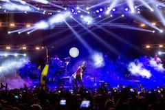 歌手Sakis执行在疯狂的北部阶段节日的Rouvas 免版税库存照片