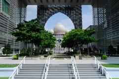 正义宫殿在布城,马来西亚 免版税库存图片
