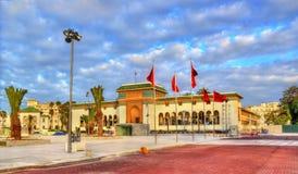 正义宫殿在默罕默德v正方形的在卡萨布兰卡,摩洛哥 免版税库存图片