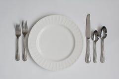 正式晚餐餐位餐具器物 免版税库存照片