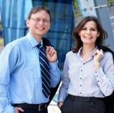 正式衣裳的两三个企业人员 免版税图库摄影