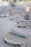 正式餐具在婚礼宴会 图库摄影