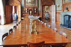 正式餐厅内部在沃龙佐夫宫殿 免版税库存图片