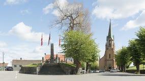 正方形和公园在新教徒的教会前面 免版税库存照片
