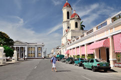 正方形在西恩富戈斯,古巴 免版税库存图片