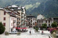 正方形的图象在城市夏慕尼Mont Blanc 免版税库存图片