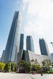 正方形的访客和大厦在广州市 免版税库存照片