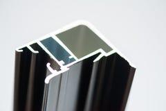 正极化的铝外形 铝挤压,被挤压的铝外形, 库存照片