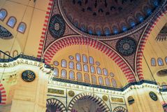 正统香客参观了圣诞节的Aya索菲娅清真寺 免版税库存照片