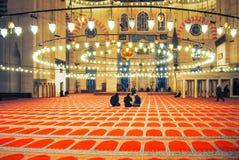 正统香客参观了圣诞节的Aya索菲娅清真寺 库存照片
