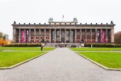 正面图Altes博物馆(老博物馆)在柏林 库存照片