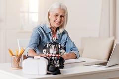 正面祖母感觉幸福在片刻 免版税库存照片