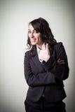 正面美丽的年轻女实业家 免版税库存图片