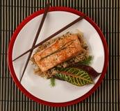 正餐健康三文鱼顶视图 免版税图库摄影