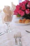 正餐典雅的餐位餐具 库存照片