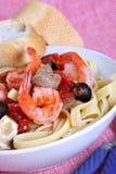 正餐盘意大利细面条mushr意大利面食虾 免版税图库摄影