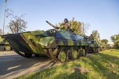 步兵塞尔维亚武力的作战车辆 免版税库存图片