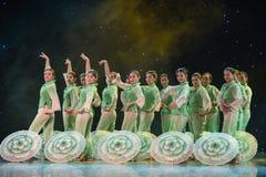 步在墨水和洗涤绘画中国民间舞的春天茉莉花 图库摄影