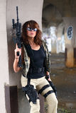 步枪性感的妇女 免版税库存照片