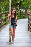 步行在亚龙湾热带天堂森林公园,海南,中国 免版税库存照片