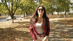 步行在公园,跟我学 影视素材