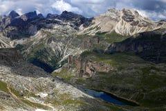 步行在阿尔卑斯的心脏的多洛米蒂 库存图片
