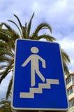 步行地下过道标志 免版税库存照片