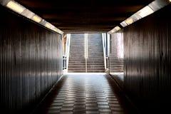 步行地铁(地下过道) 免版税图库摄影