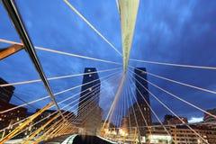 步行桥在毕尔巴鄂,西班牙 免版税库存图片