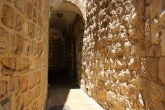 步行通过古老耶路撒冷 免版税库存图片
