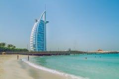 步行通过旅馆在迪拜 03 11 2015年 最大的旅馆 免版税库存照片
