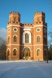 武库的亭子在11月早晨 Tsarskoye Selo亚历山大公园  免版税库存照片