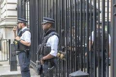 武装的伦敦警察 免版税库存图片