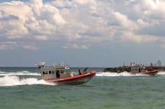 武装的美国海岸卫队船 免版税库存照片