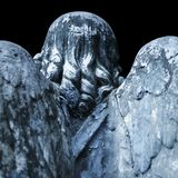 死亡天使作为生活的结尾的标志 古色古香的雕象 免版税图库摄影